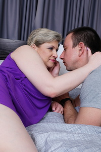 Hairy mature slut fucking her youngre lover