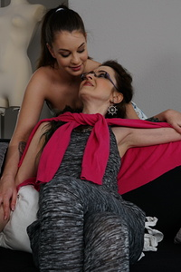 This hot babe loves having sex with a mature lesbian
